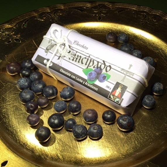 Chocolate asturiano con arándanos